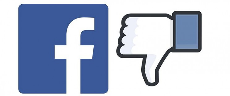 technology causes depression Facebook